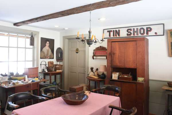 Important Country Americana Auction