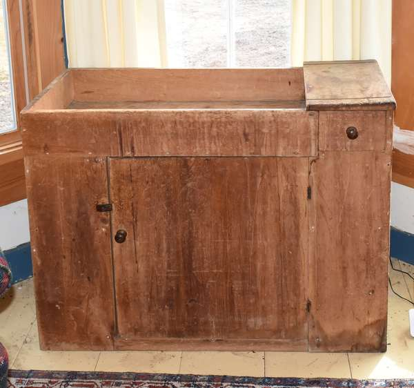 "Early 19th C. country pine dry sink with single door and a dovetailed drawer, 37.5""L. x 29.5""H. x 19""D. Condition: wear commensurate with age."