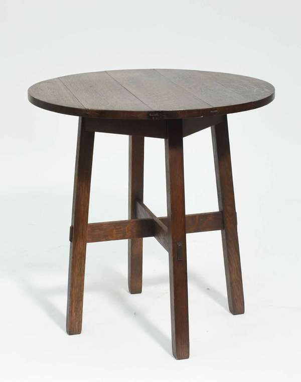 """Mission Oak round drink table, mortise and tennon construction, 25""""D x 25.5""""H Condition: very good"""