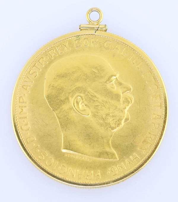 """1915 coin Austrian 100 Corona coin, bezel set as a pendant weighing 36 grams 900 fine, 1.5"""" D. Condition good"""