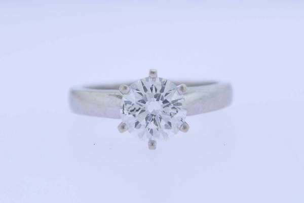 1.5 ct Diamond solitaire ring, approx. 1.5 ct H/I color, I clarity, round brilliant cut diamond in a traditional 6 prong 14k gold setting, ring size 5.5, approx.4.4 grams. Condition good.New bidders to Smith's - payment for this lot must be made with cash, bank approved check or wire transfer. NO CREDIT CARDS accepted as payment for this lot.