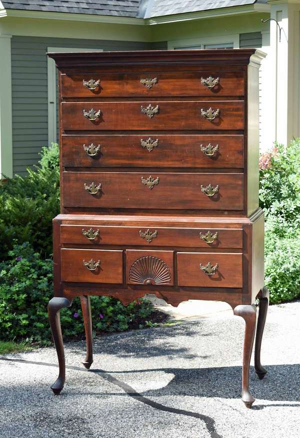 18th C. Queen Anne two part maple highboy with a lower carved drawer and thumbnail fan carving, 36