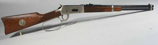 Winchester model 94 - 32-40, John Wayne Commemorative, serial # JW 6656, with original box. -Condition excellent. T -167 . NICS background check required.