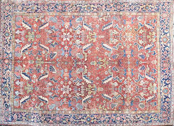 ANTIQUE ORIENTAL HERIZ ROOMSIZE RUG. 8' x 11'. Condition: overall good with some wear and use commensurate for age.