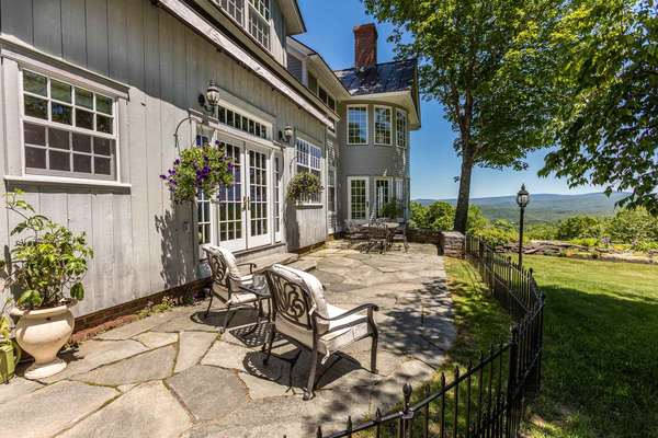 Contents of a Fabulous Hartland VT Home A timed auction event